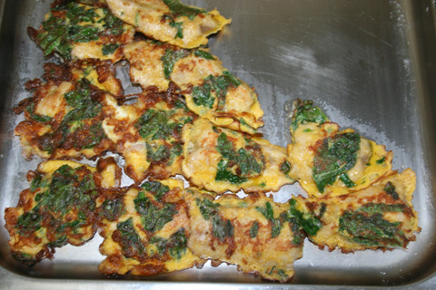 Battered Sanma Fried with Eggs and Spinach
