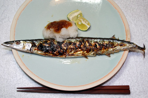 Sanma-no-shioyaki (Salt-grilled Pacific sanma) - served
