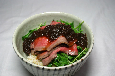 home cooking: Wagyu Roast Beef with Onion Shoyu Sauce Donburi