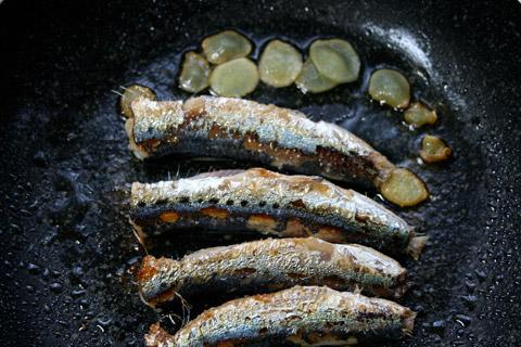 Iwashi Shoyuyaki: Sardines Sauteed in Shoyu (鰯 醤油焼き)