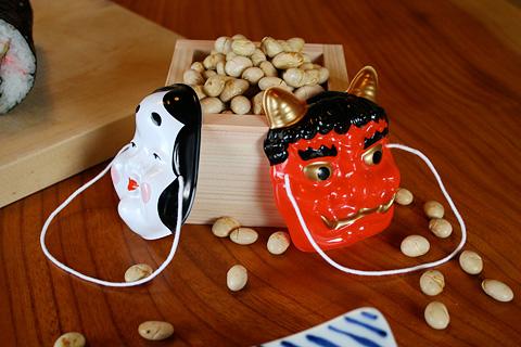 Setsubun Eho-maki, Mame-maki and Grilled Sardine 恵方巻き