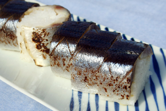 Depachika: Sanma-zushi Aburi Sanma Bozushi 炙りさんま棒寿司