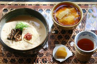 Mamezen Soba: Kyoto-style Dashi Soymilk Ramen